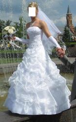 Свадебное платье,  накидка,  перчатки.